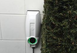 Braas Elektro plaatst laadpaal elektrische auto!